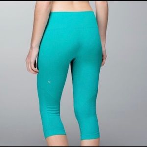 Lululemon In the flow crop leggings